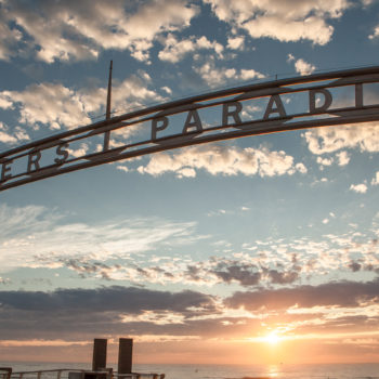 BEACH SP-C Iconic Surfers Paradise Sign at daybreak